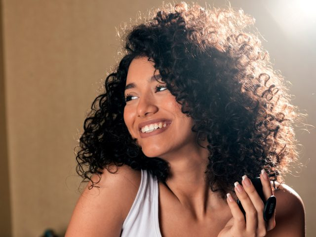 Top 5 Tips & Tricks For Frizz-Free Curly Hair